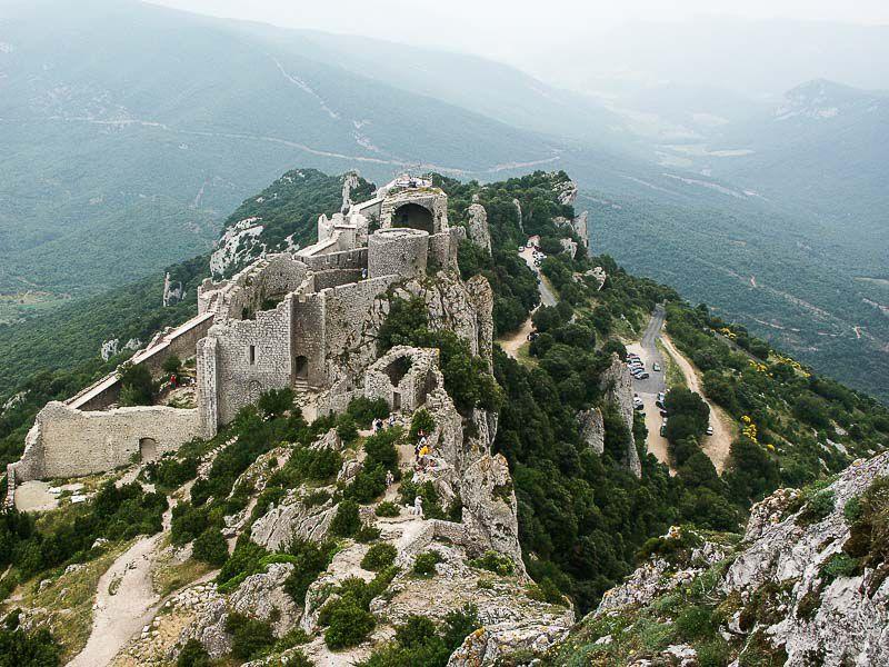 peyrepertuse castle picture