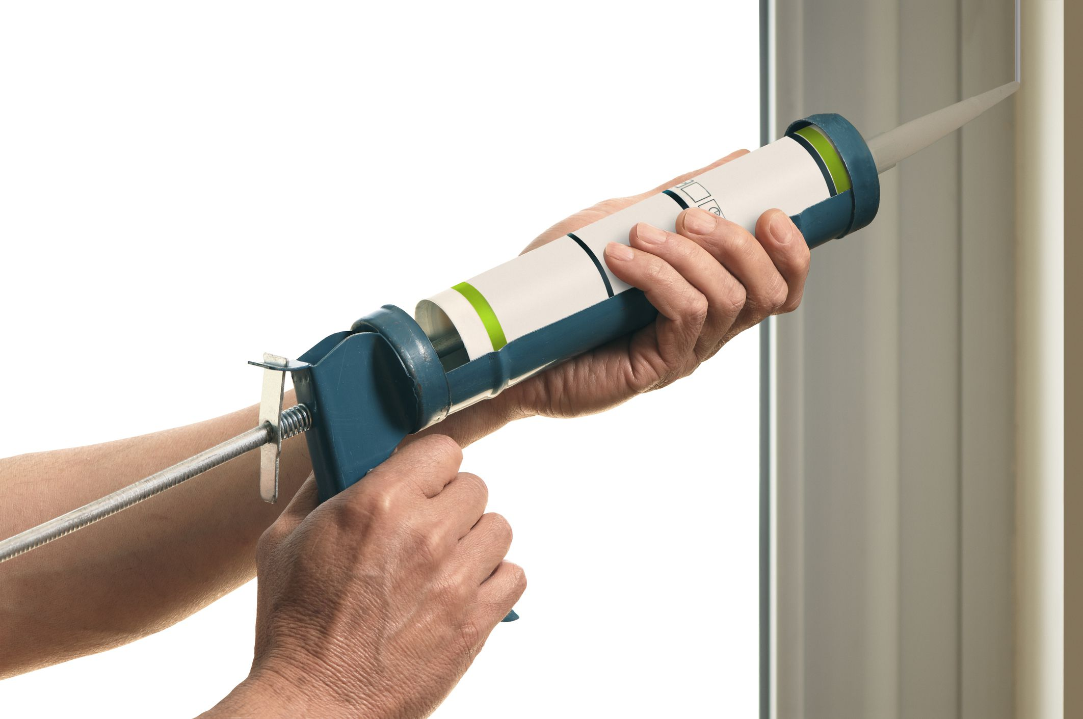 how to choose and use a caulking gun. Black Bedroom Furniture Sets. Home Design Ideas