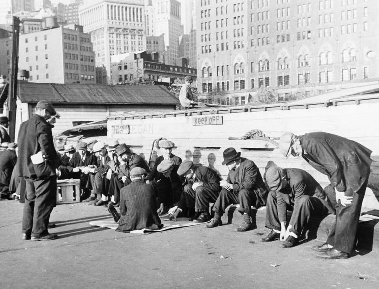 political and economic causes of the great depression The causes of the great depression in  which slowed down economic recovery from the great depression,  hoover held the line against powerful political.