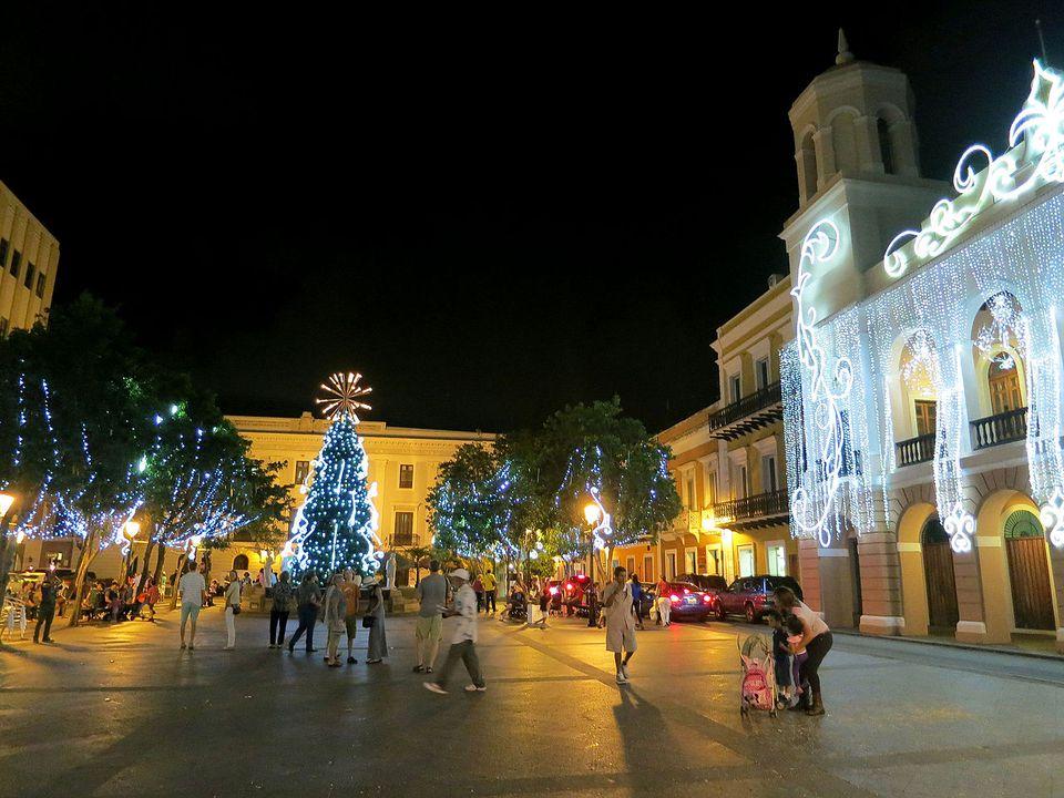 The Plaza de Armas lit up for Christmas.