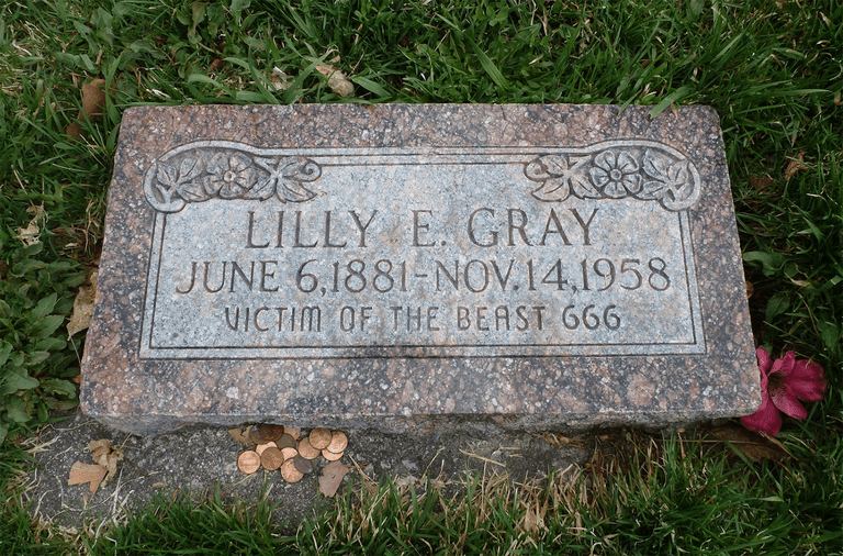 Lilly E. Gray grave stone