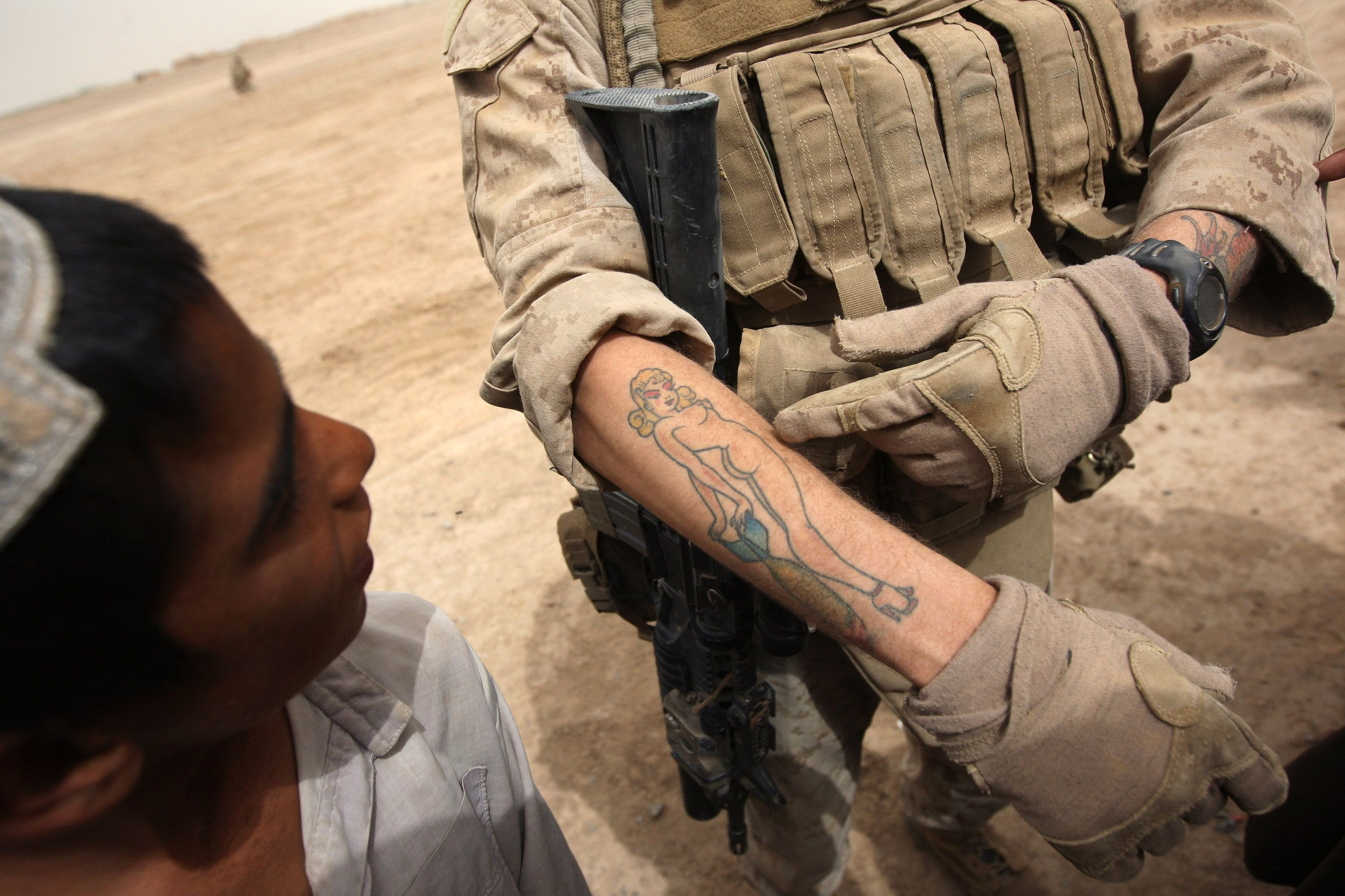 Marine corps tatoo body art policy for Army tattoo policy wrist