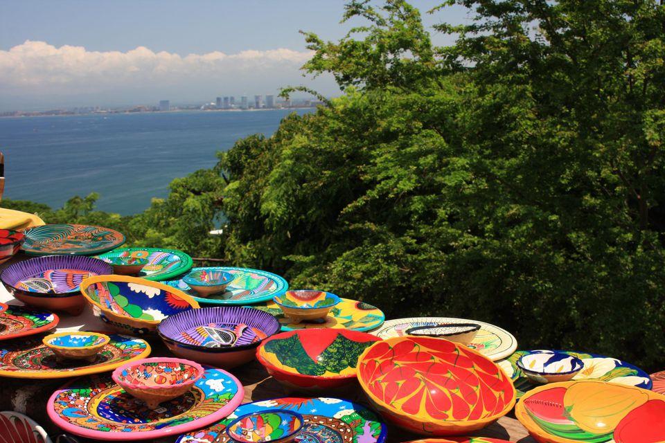 ¡Buenos días México! Colorful Mexican plates