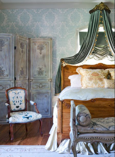 French Country Bedroom Decorating Ideas And Photos - French blue bedroom design