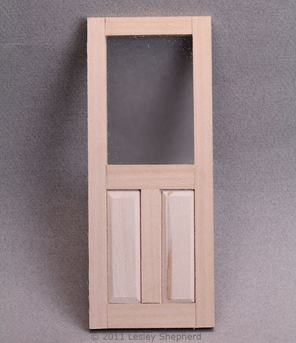 Diy dollhouse parts including working windows and doors for Affichage fenetre miniature windows 7