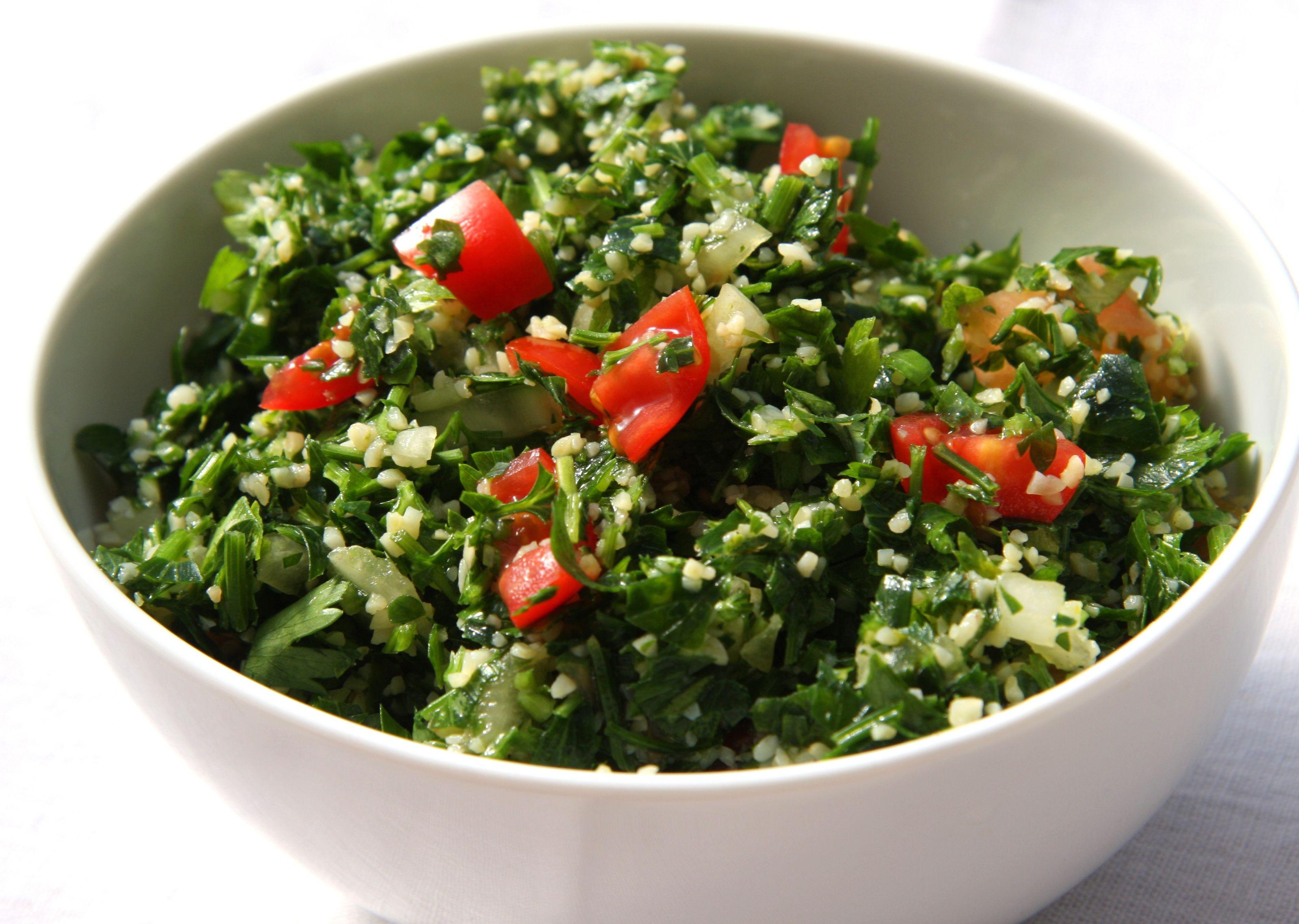 Classic Tabbouleh Salad Recipe (Tabouli)