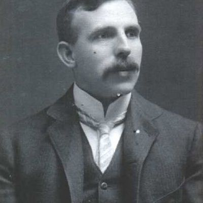 a biography of ernest rutherford a physicist Niels bohr biography and related resources  he then studied under ernest rutherford in manchester,  niels bohr and his wife margrethe had several children,.