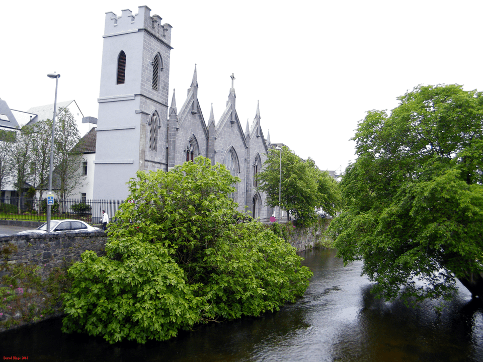 Galway - Walk along the Corrib
