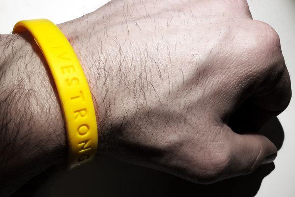 live strong bracelet