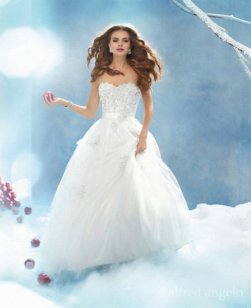 Disney princess wedding dresses by alfred angelo snow white wedding dress junglespirit Choice Image