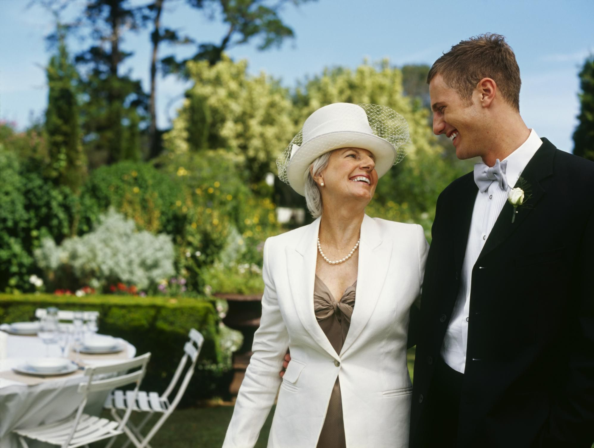 how to find a mother of the groom dress
