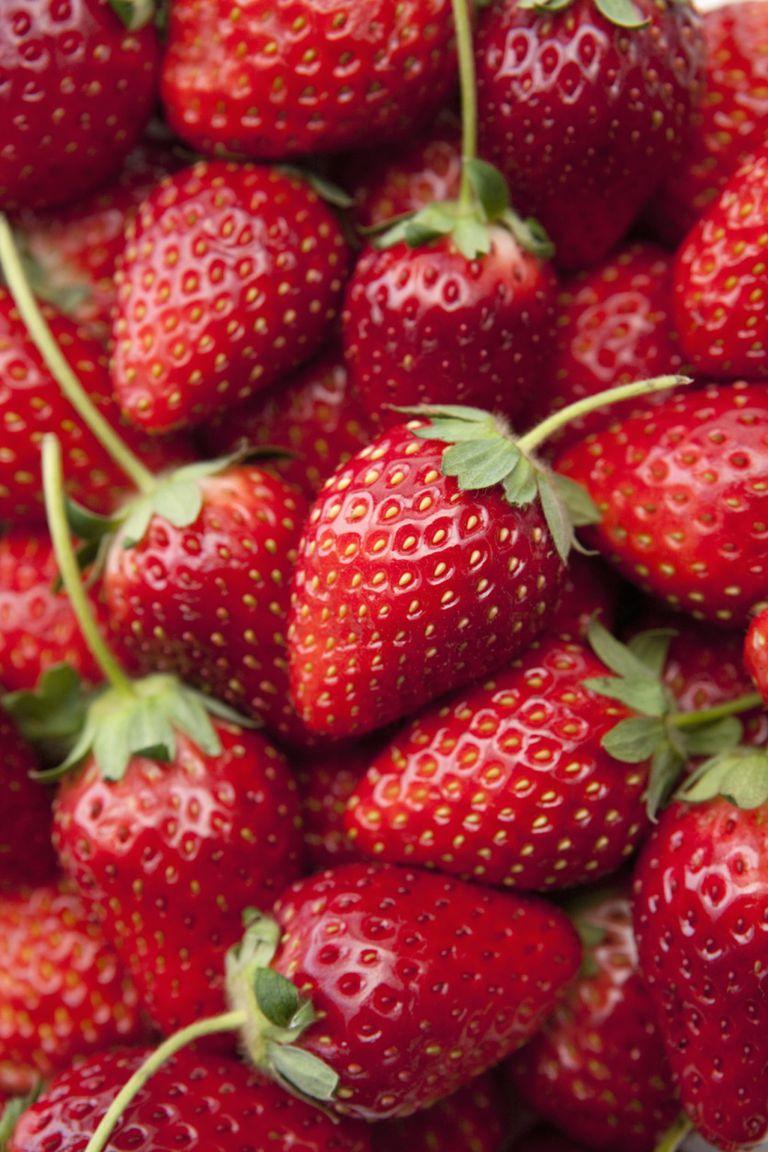 Masker Strawberry Aprilia Avocado 500gr