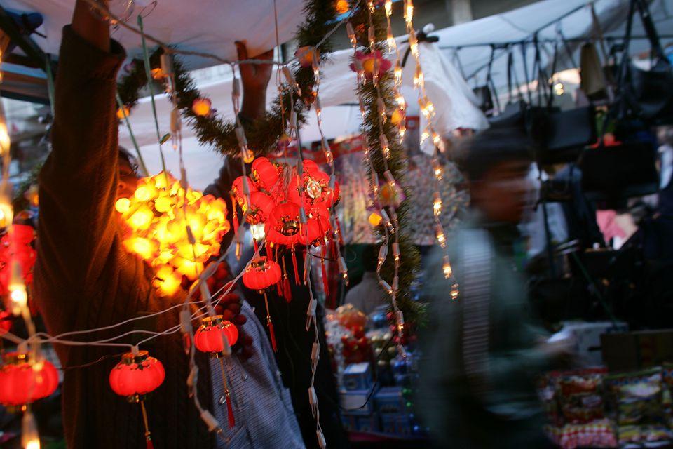 Bolivians Prepare For Christmas