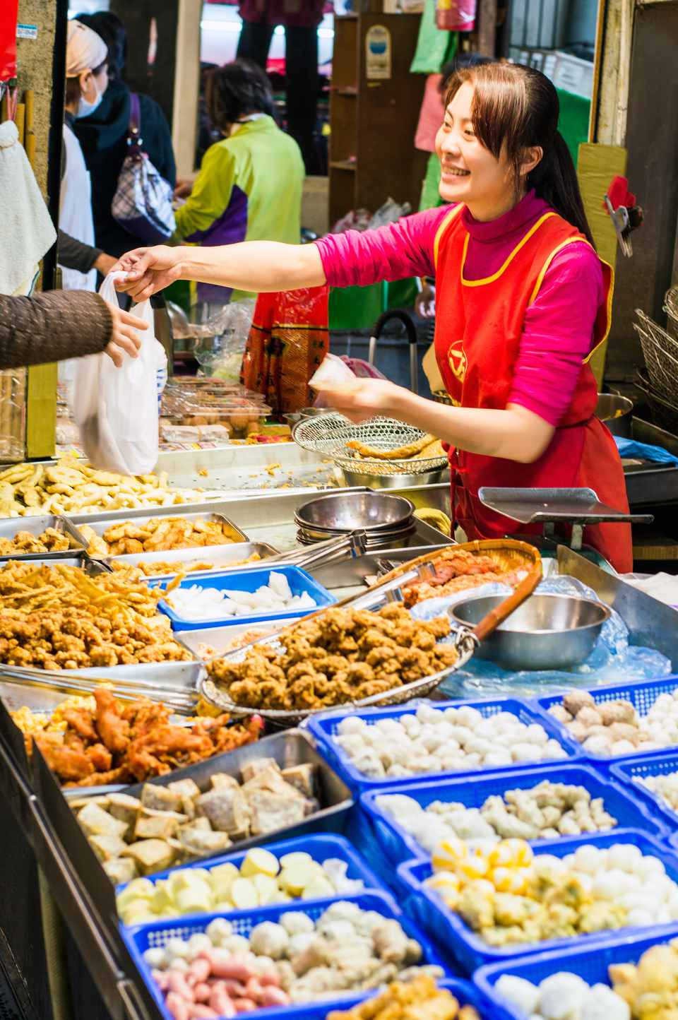 Paying a street food vendor in Taiwan
