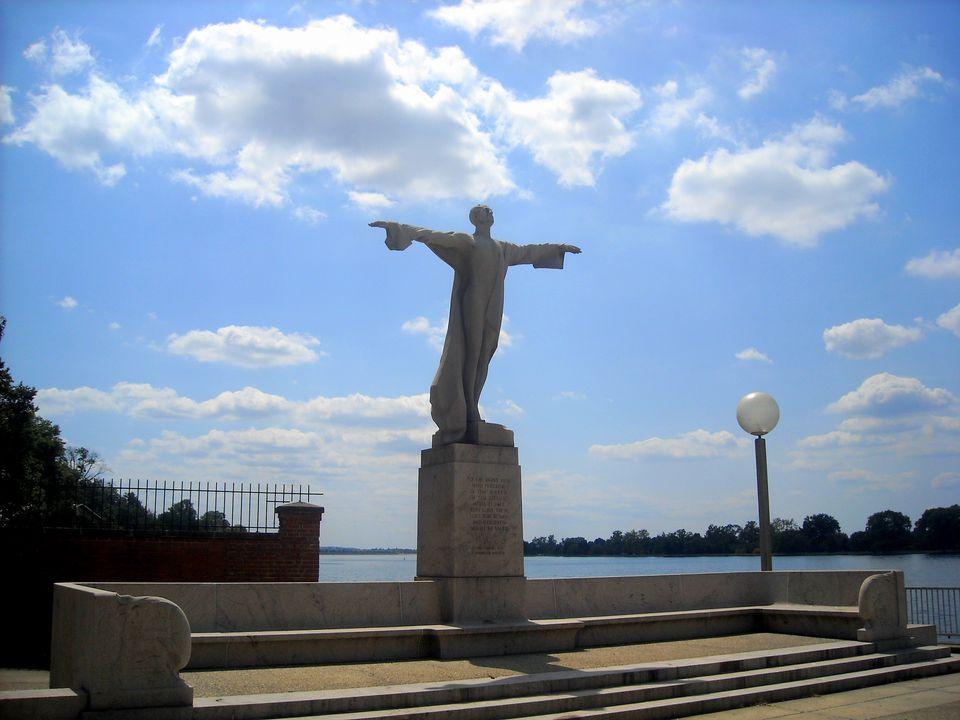 Women's Titanic Memorial in Washington, DC