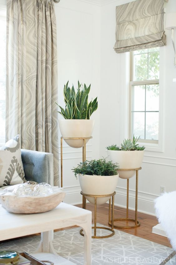 7 Modern Planters That Will Breathe Life Into Your Home