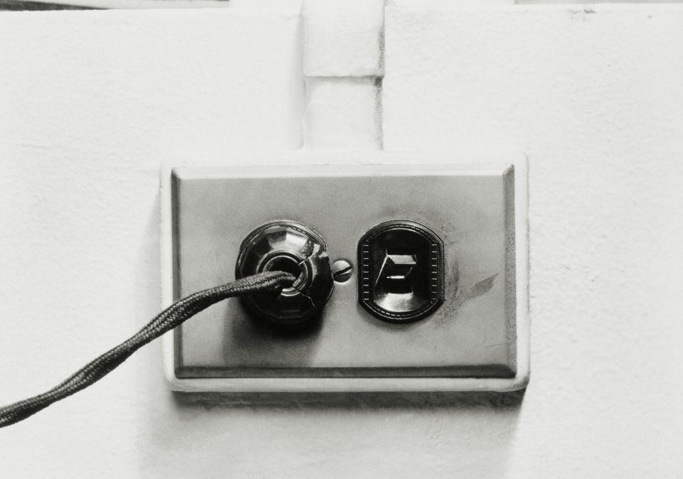 1950s Polarized receptacle