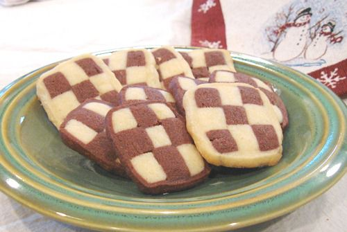 How to Make Black and White Checkerboard Cookies