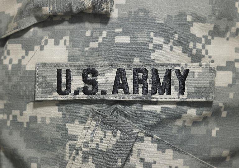 Servir en el Ejército brinda condiciones especiales para naturalizarse