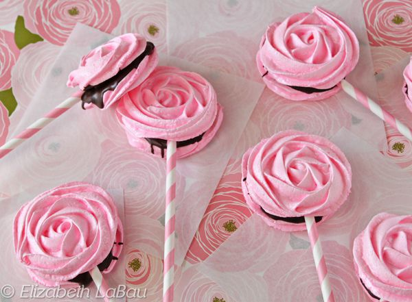 Light And Subtle Meringue Rose Pops