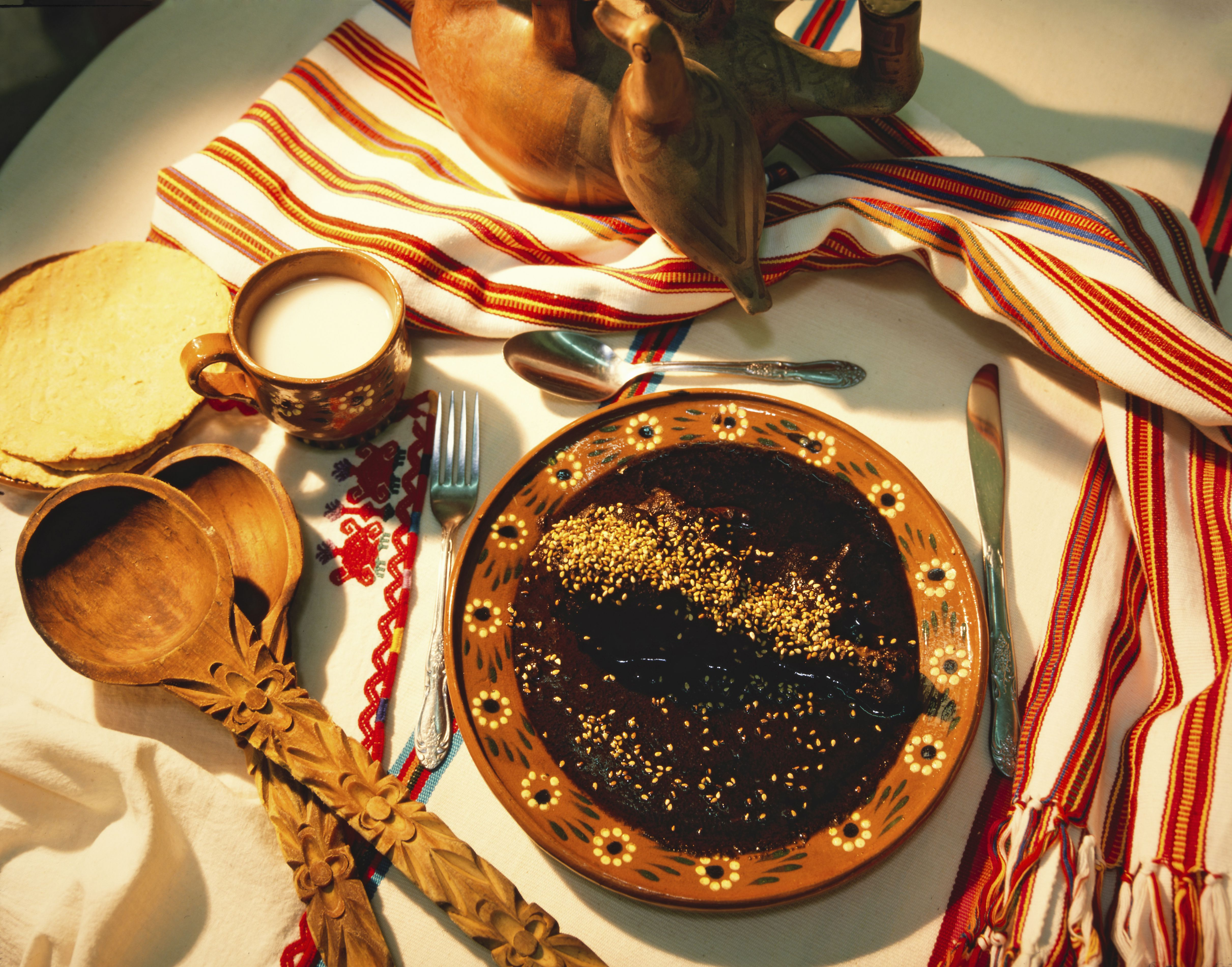 origins and history of chiles en nogada