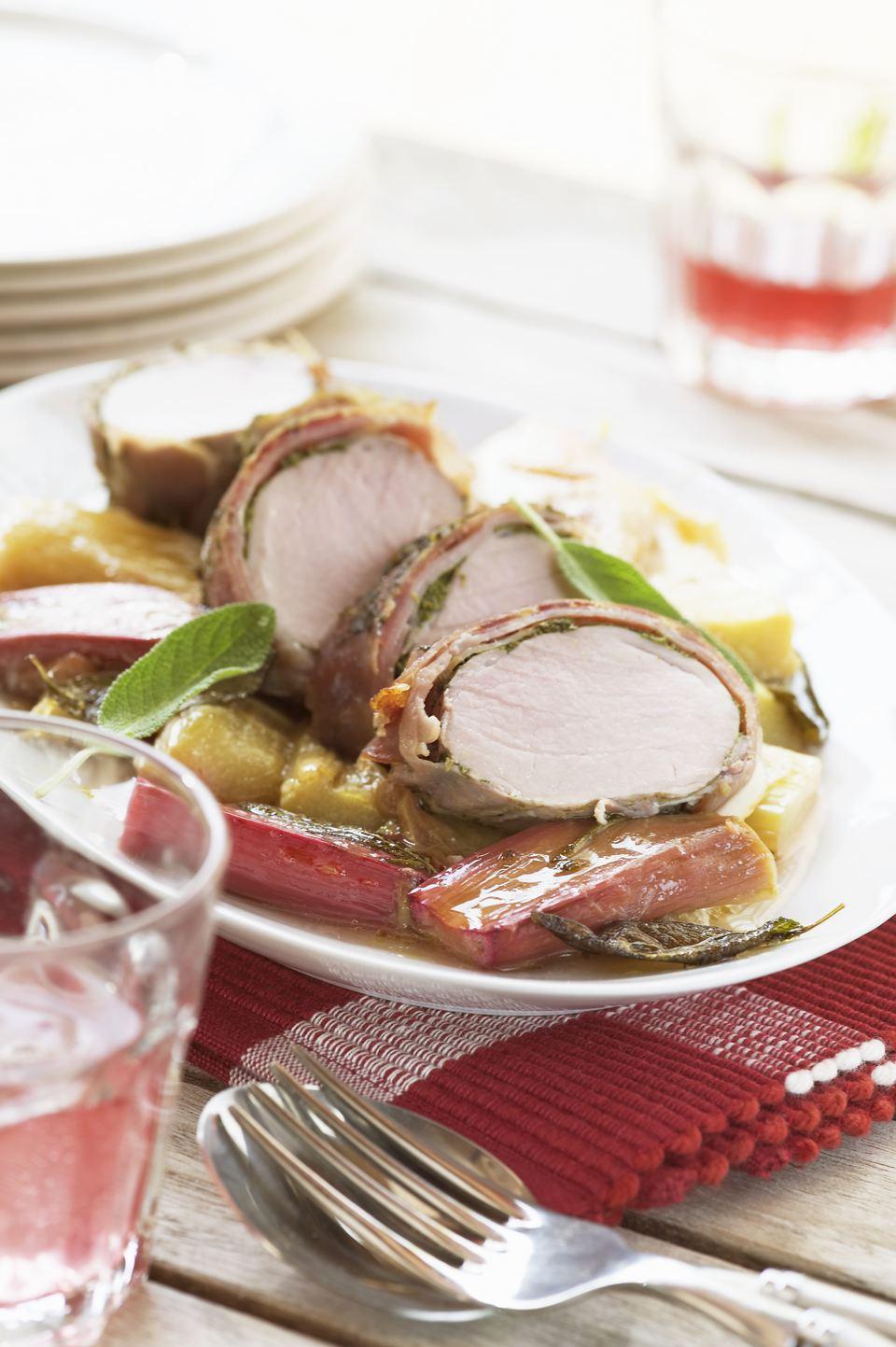 Rhubarb pork fillet