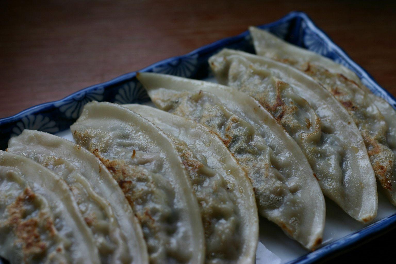 Korean food recipes an easy recipe for yachae mandoo korean vegetable dumplings forumfinder Images
