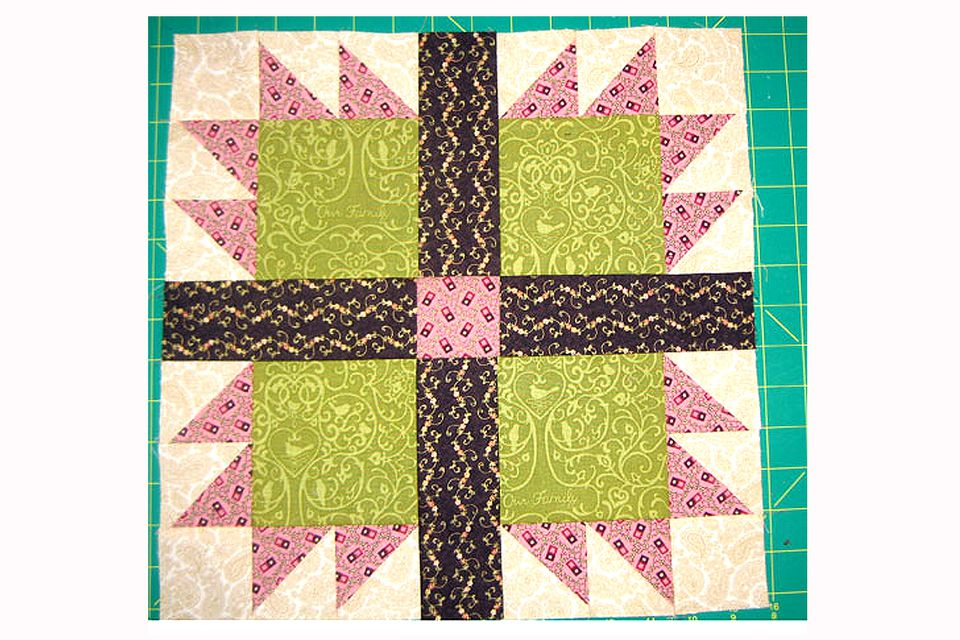 Bear's Paw Quilt Block Pattern