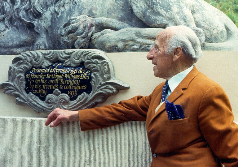 Sir Clough Williams-Ellis in 1973 with plaque presented on his 90th birthday