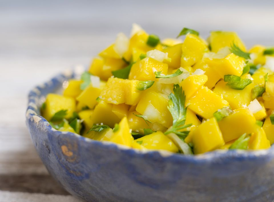 How to cut and prepare fresh mango mango salsa ccuart Image collections