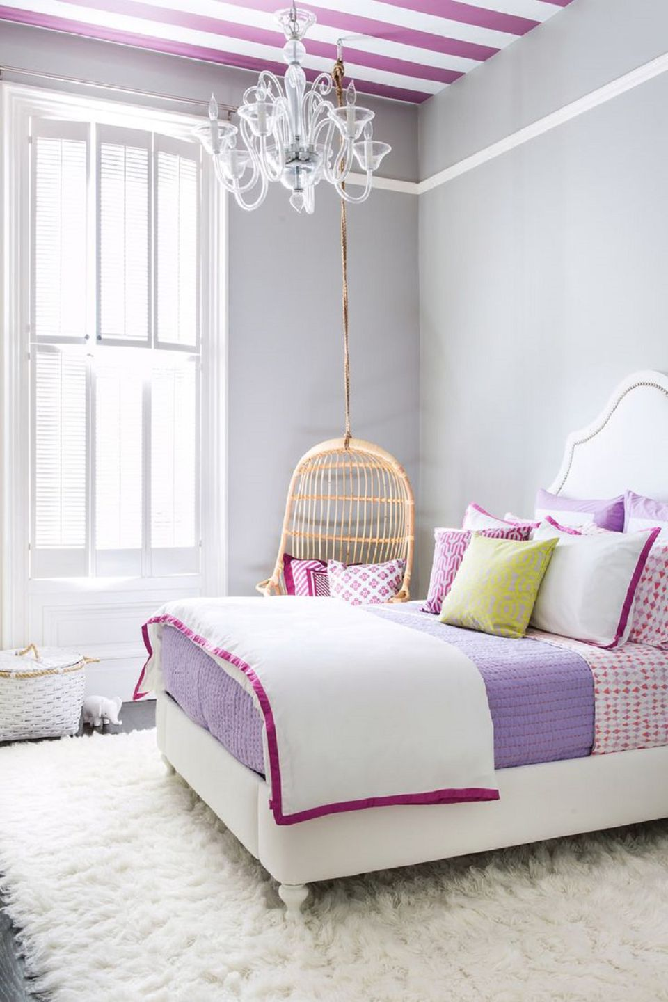 young girls bedroom ideas. Striped ceiling in girl s room Ideas for Decorating a Little Girl Bedroom