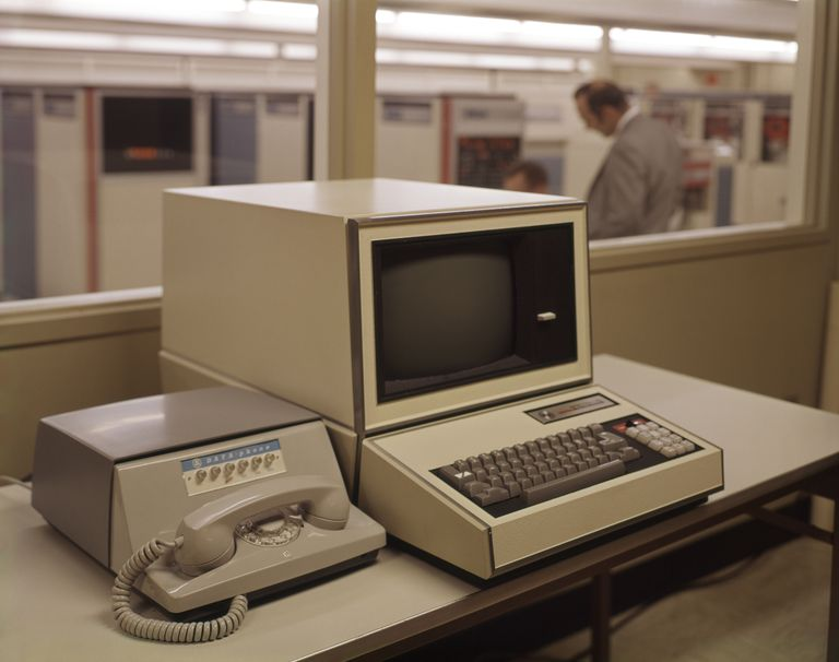 1960s ANTIQUATED COMPUTER...