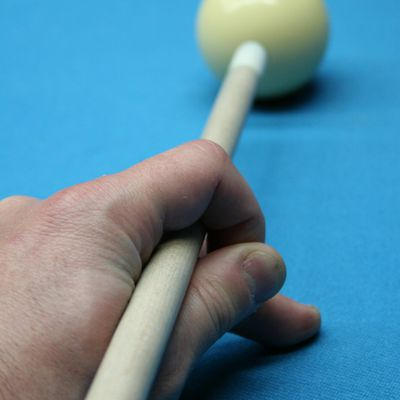 A Proper Pool Cue Stick Grip