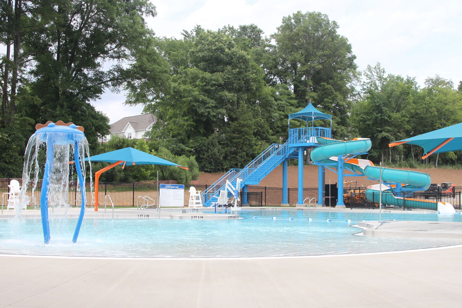 Charlotte nc public pools and water parks for Indoor swimming pools charlotte nc