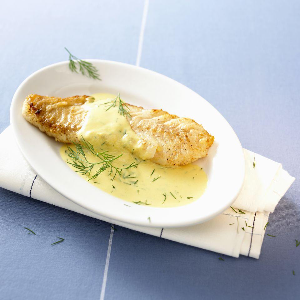 Fried cod fillet in mustard sauce