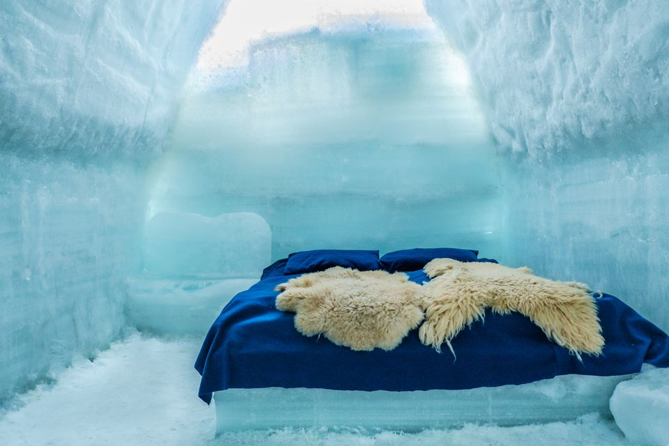 Romania, Southern Carpathians, Fagaras Mountains, room in ice hotel