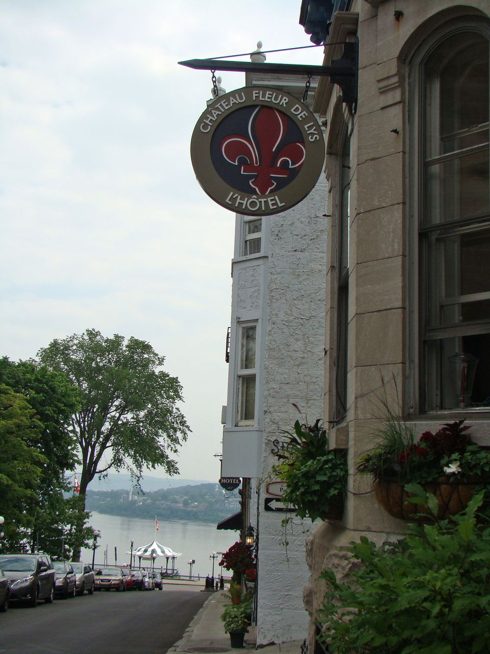 The Chateau Fleur de-Lys is located in Old Quebec.