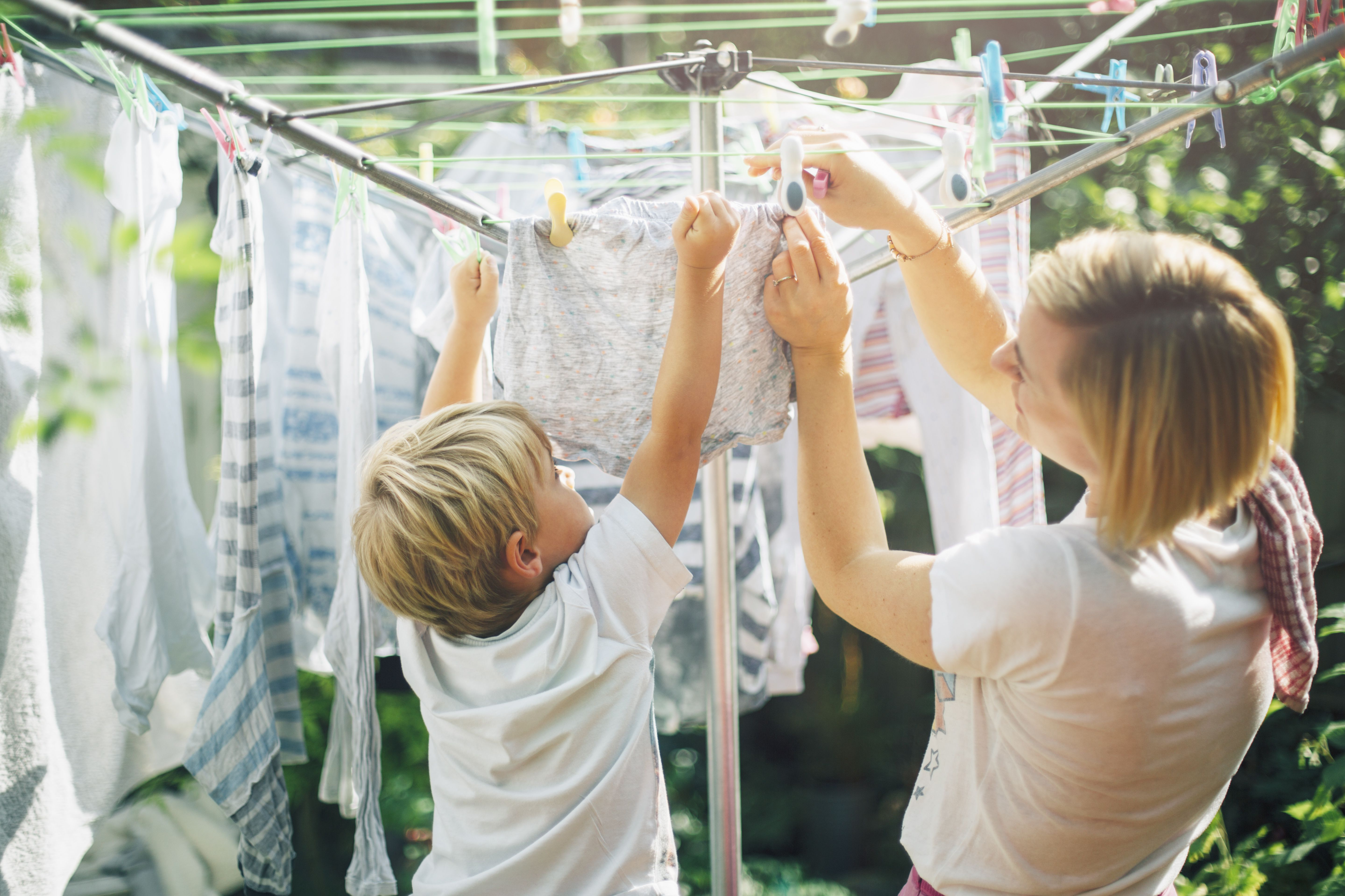 6 reasons to not line dry your clothes outside