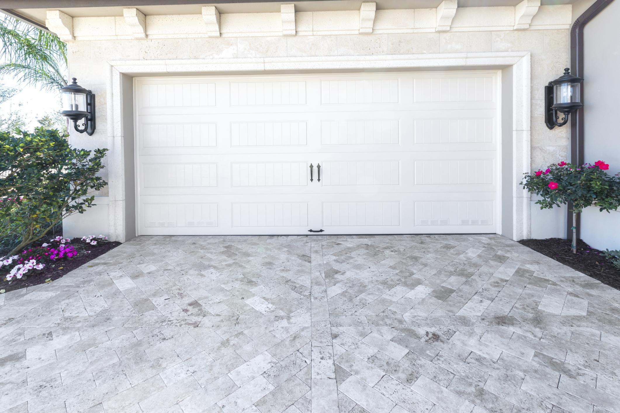 10 Garage Door Safety Tips