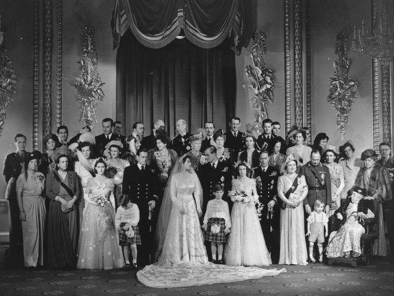 Elizabeth Ii Wedding Dress