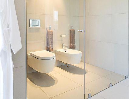Bathroom remodel cost minimum and medium level remodels for 6x7 bathroom
