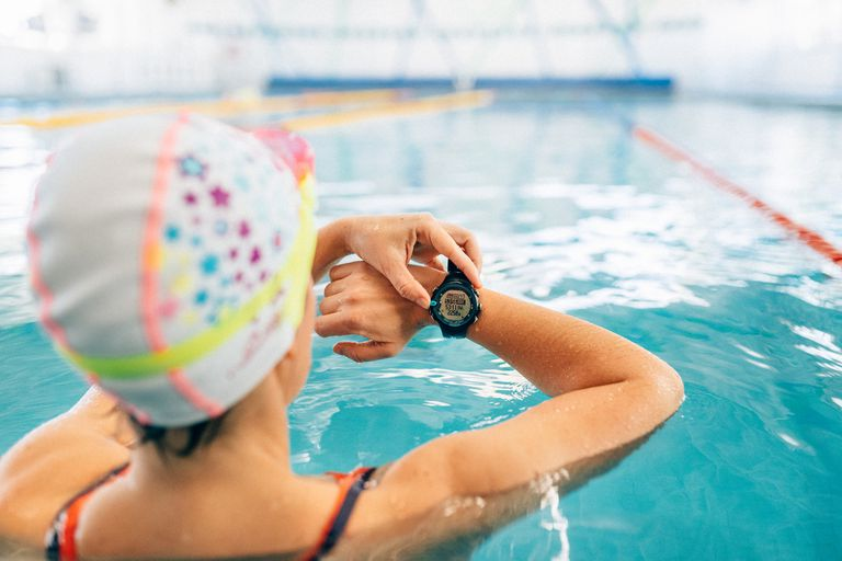 Swimming lap counter watch