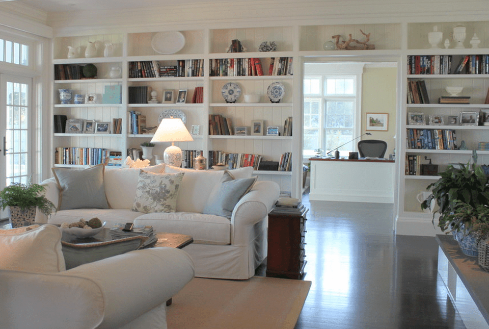 Beautiful living rooms with built in shelving for Things to put on shelves in living room