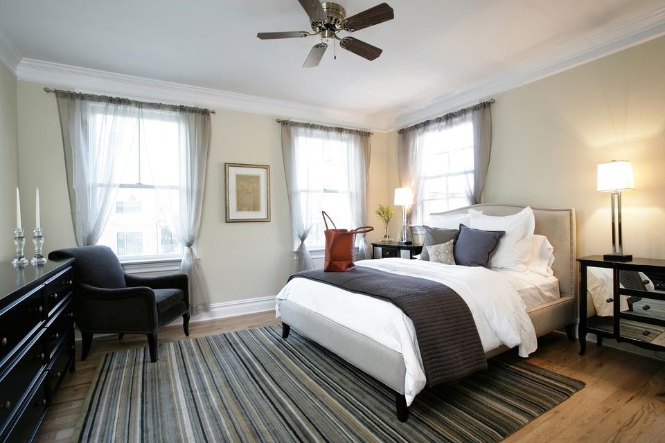 10 tips and tricks to make your bedroom look expensive for Least expensive house to build