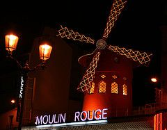 The Moulin Rouge in its evening guise.