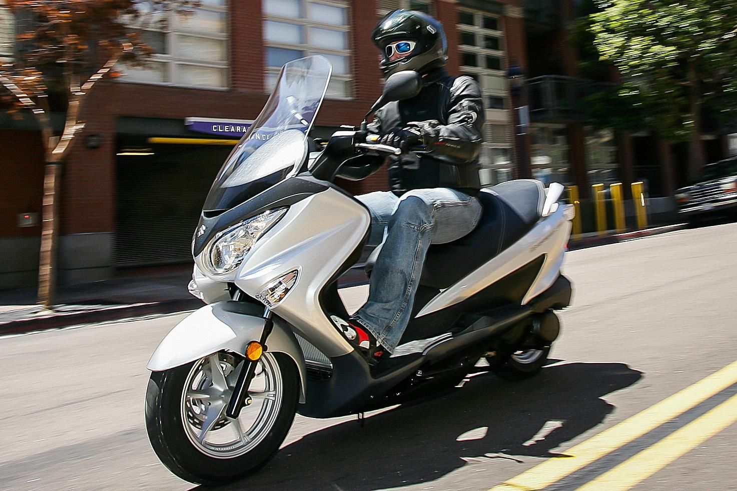 suzuki burgman 250 scooter review