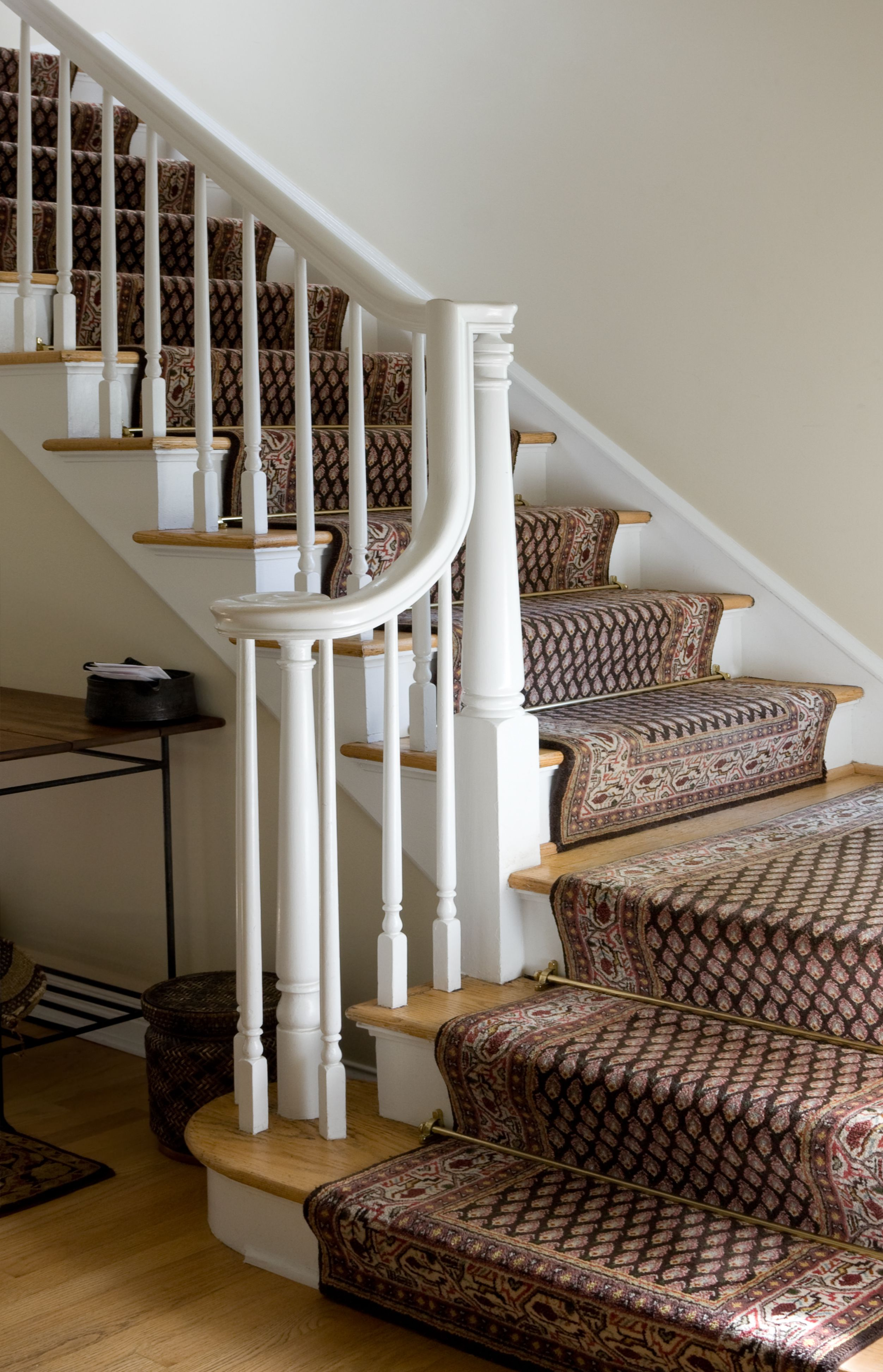 Best carpet for stairs and landing - Size Pattern Style Choosing A Carpet Runner For Stairs