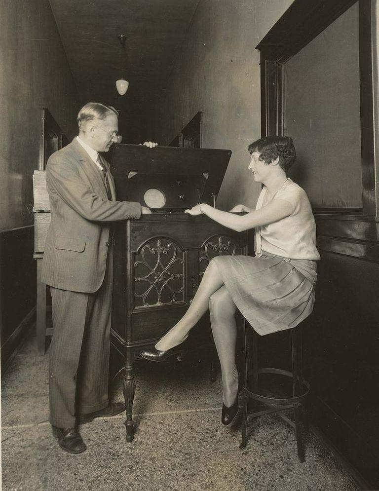 Vladimir Zworykin demonstrates his cathode-ray tube.