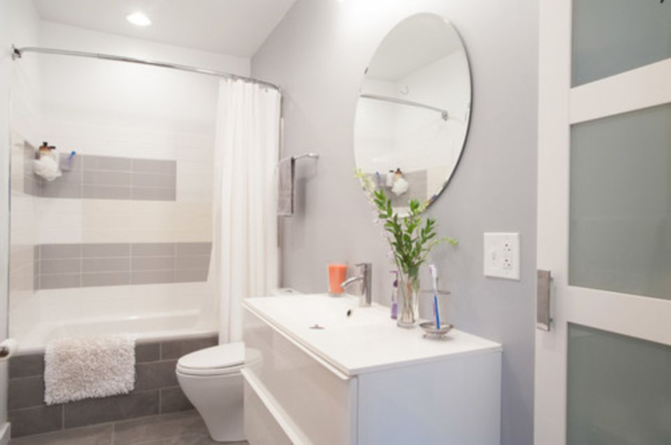 pictures of gray and white bathrooms. Simple Family Gray and White Bathroom 17 Classic Bathrooms