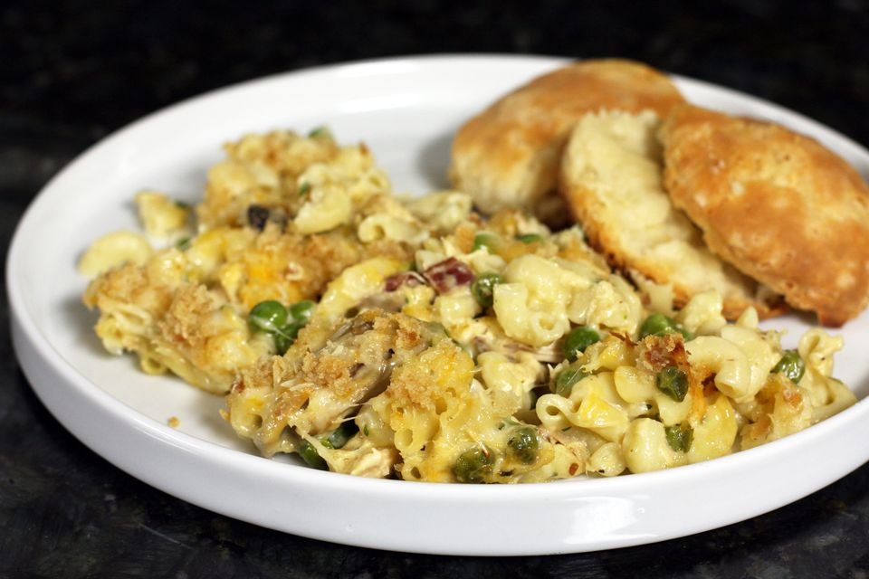 Macaroni and chicken casserole with cheese